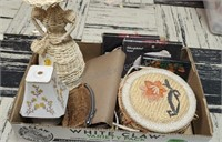 Misc Jewelry Valets, Wicker Woman, Small Lamp