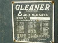 Allis Chalmers Gleaner L combine