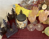 335 - HUGE LOT OF HOME DECOR - SEE PICS