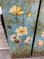 789 - PAIR OF FLOWER CANVAS WALL ART