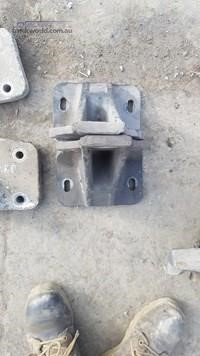 0 Freightliner Columbia 1101916 Cab Mounts - Parts & Accessories for Sale