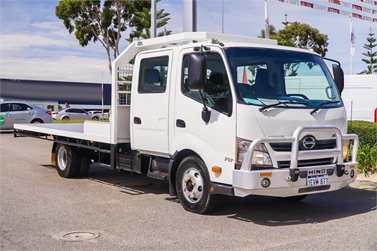 2015 Hino 300 Series 717 - Trucks for Sale