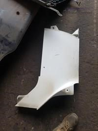 0 Freightliner Columbia Right Cowl Panel A18-37138-003 - Parts & Accessories for Sale