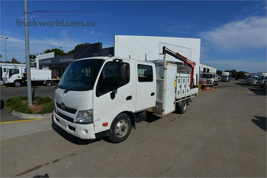 2011 Hino 300 Series 917 - Trucks for Sale