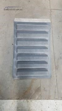0 International 7600 Battery Box Cover - Parts & Accessories for Sale