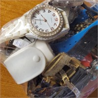 50 - LOT OF WATCHES - SEE PICS (A7)