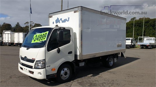 2015 Hino 616 - Trucks for Sale