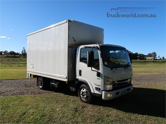 2017 Isuzu NPR 45 155 AMT MWB - Trucks for Sale