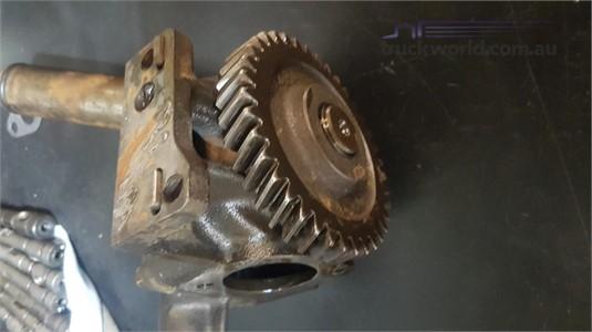 0 Mack E9 V8 767Gb480  Oil Pump - Parts & Accessories for Sale