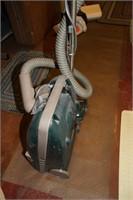 HOOVER POWERMAX VACUUM CLEANER