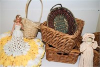 LOT OF VINTAGE DOLLS AND BASKETS - SEE PICTURES