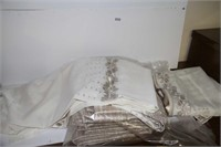 SET OF 2 NEW LINED CURTAINS 85X51; SEE PICTURES!
