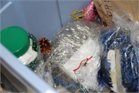 LARGE LOT OF CHRISTMAS DECORATIONS, SEE PICTURES!