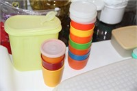 VINTAGE TUPPERWARE 19 COMPLETE ITEMS + COVERS