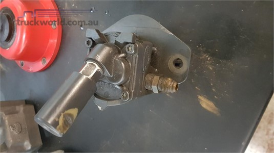 0 Mack E7 0440020001 Fuel Supply Pump - Parts & Accessories for Sale
