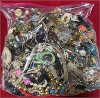 4.4 LBS. OF COSTUME JEWERLY (A)