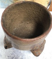 34 - BEAUTIFUL POTTERY PLANTER