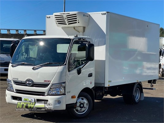 2015 Hino 300 Series 616 Auto National Truck Wholesalers Pty Ltd  - Trucks for Sale