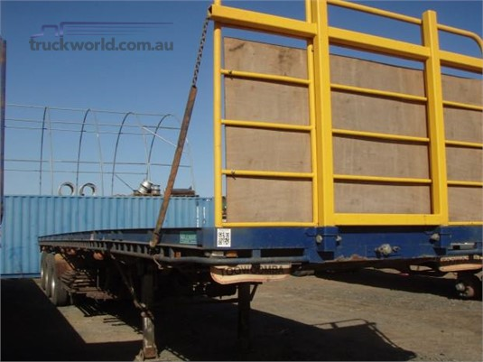 1998 Haulmark Flat Top Trailer - Trailers for Sale