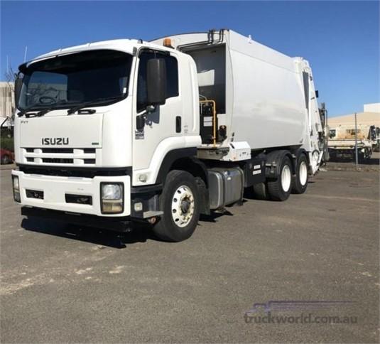 2014 Isuzu other - Trucks for Sale
