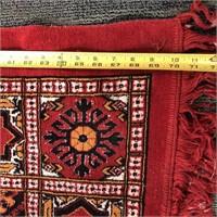 34 - BEAUTIFUL RED 72 X 56 AREA RUG