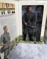 34 - LOT OF 2 WWII ACTION FIGURES - SEE PICS