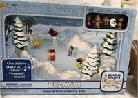 34 - MAD SNOWGLOBE & PEANUTS SKATING RINK