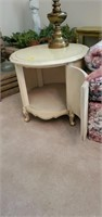 Nice round end table