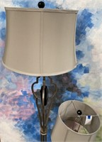 NEW WMC PAIR OF BEAUTIFUL TABLE LAMPS ($64.95)