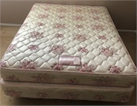 36 - BEAUTIFUL FULL STRESS O PEDIC MATTRESS & BOX