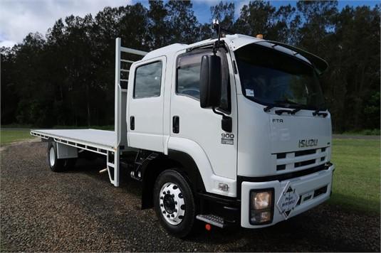 2014 Isuzu FTR 900 Premium Crew Cab - Trucks for Sale