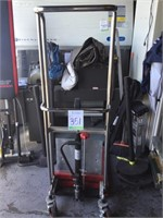 Manual Hydraulic Lift