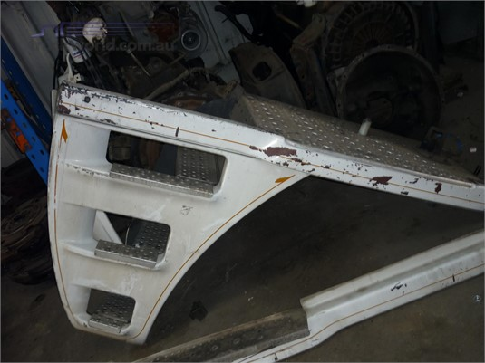 0 Freightliner Argosy Left Step/Guard - Parts & Accessories for Sale