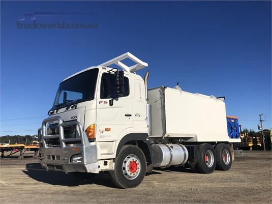 2010 Hino 700 Series 2844 FS - Trucks for Sale