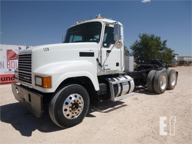 2005 Mack Day Cab Truck Other Online Auctions 1 Listings Equipmentfacts Com Page 1 Of 1