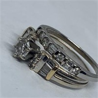 14KT WHITE GOLD .90CTS DIAMOND RING FEATURES