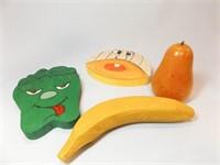Fruit- Glass (5), Wood (5), Plastic (4)