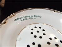 TeleFlora Colander, Measuring Cup