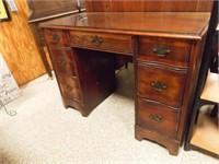 "Wood Desk, 7 Drawer, 29"" x 40"" x 19"""