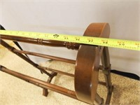 "Wood Quilt Rack, 38"" x 27"" x 7"""