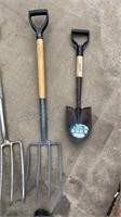 Lot of Garden Hand Tools