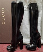 1800.00 AUTHENTIC NEW GUCCI BOOTS IN THE BOX