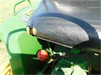 1983 John Deere 650 utility tractor