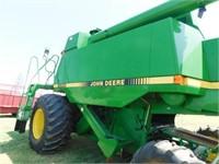 1990 John Deere 9500 combine
