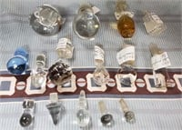 N - LOT OF CRYSTAL DECANTER STOPPERS