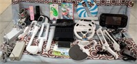 N - HUGE LOT OF WII GAME & ACCESSORIES
