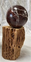 355 -BEAUTIFUL WOOD DECOR & 2 BALLS ON WOOD STANDS