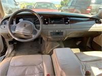 1998 Lincoln Town Car Signature