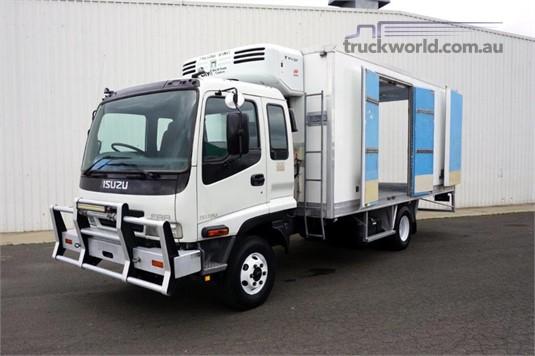 2006 Isuzu FRR500 - Trucks for Sale