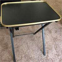 795 - SET OF 4 BLACK/GOLD TV TABLES W/RACK